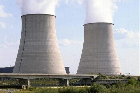 Montgomery Burns...Liste a ne pas oublié Centrale_nucleaire